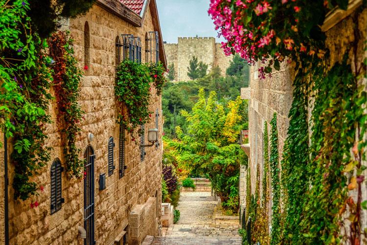 55_The_first_new_Jerusalem_quarter_outside_the_old_city_walls_-_Ephraim_Loeb_-_Israel_LandingPage