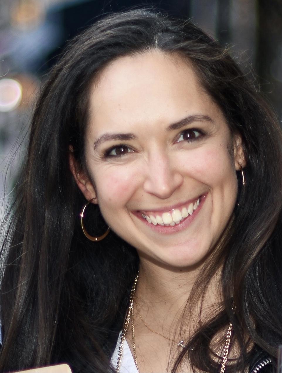 Julie Schipper Headshot